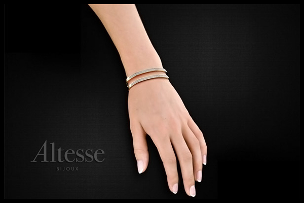 Bracelet manchette Linea plaqué or 18K, brillants, Ø55mm Altesse, packaging