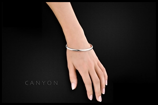 Bracelet demi-jonc en argent 925 passivé, 7.5g, Ø65mm Canyon, packaging