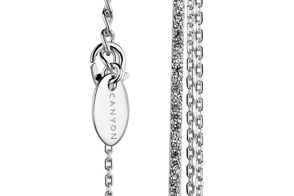 Collier plastron en argent 925 passivé, brillants, 6.4g Canyon, gros plan