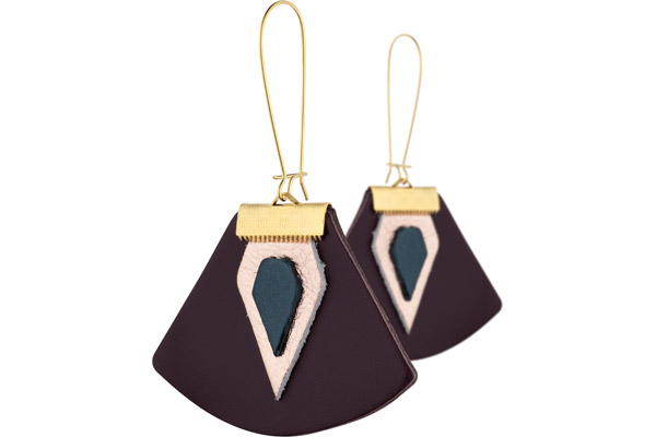 Boucles d'oreilles dormeuses Nadja, plaquage or 18K, cuir, prune-champagne Charly James