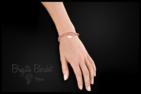 Bracelet cordon médaillon initiales BB vichy pink Clio Blue, packaging