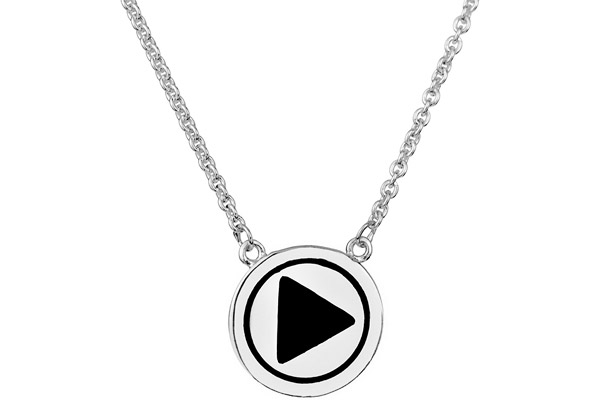 Collier pendentif bouton 'Play' argent by Quentin Mosimann Clio Blue