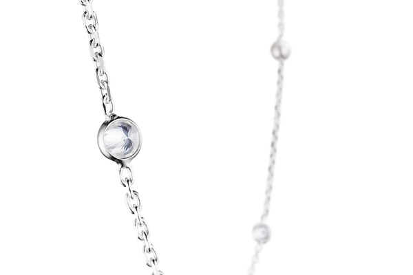 Collier Madame Clio en argent 925, brillants, 3g Clio Blue, gros plan