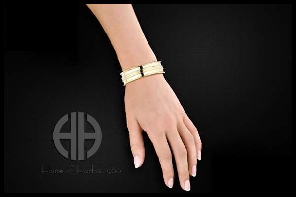 Bracelet manchette Contemporary, dorure or 14 carats, brillants, Ø55mm House of Harlow 1960, packaging