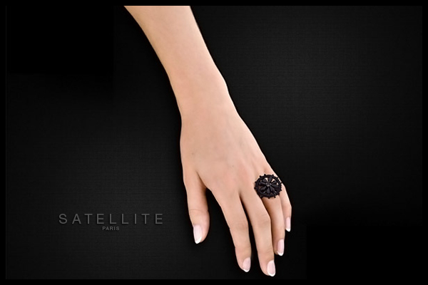 Bague Midnight Diva, réglable Satellite, packaging